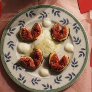 Baked Figs with Vanilla and Honey for #SundaySupper